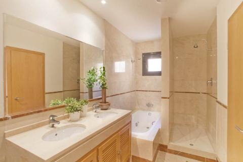 Shrewsbury, Shropshire fitted bathrooms